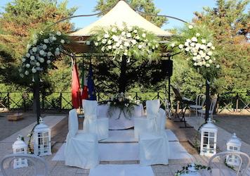 Addobbi per cerimonie e luminarie esterne emporio verde for Fiori ornamentali da esterno